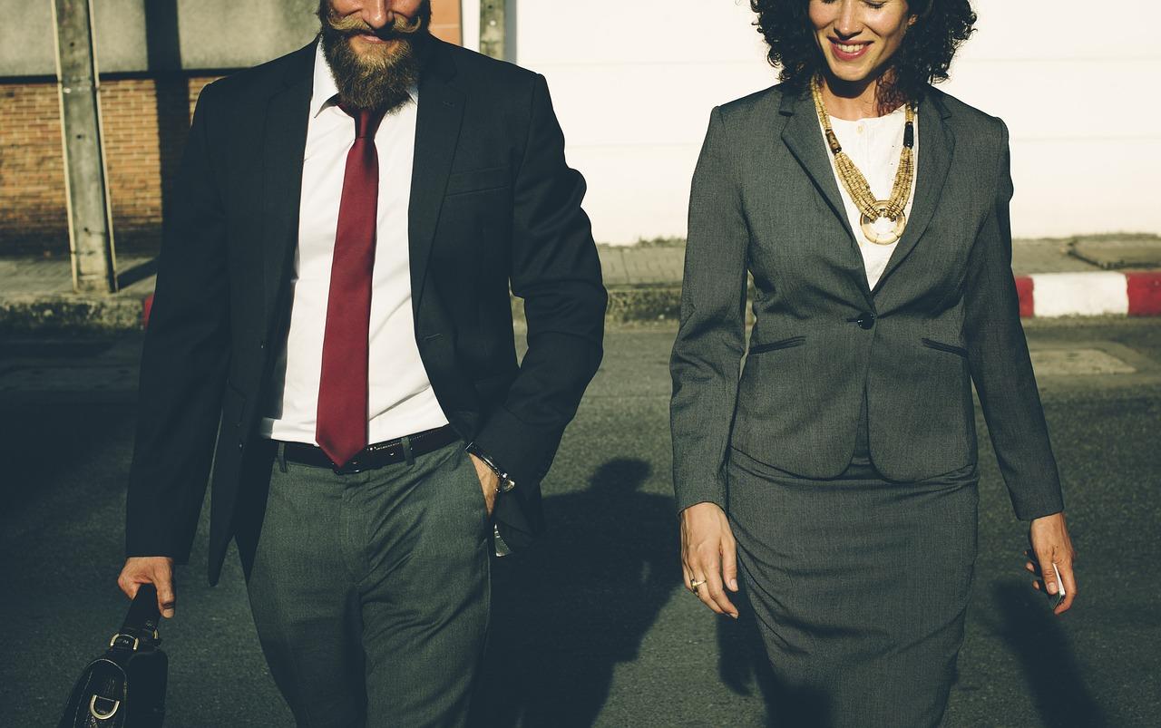 【男女別】公務員のスーツの選び方【ストライプOK】