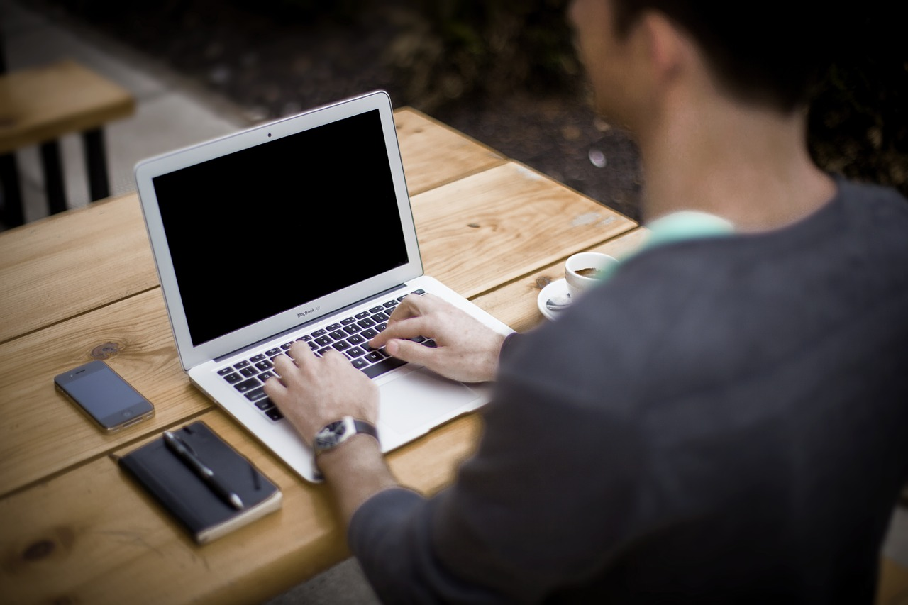 公務員こそプログラミングを学ぶべき理由