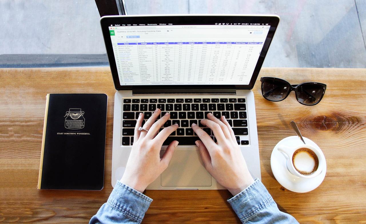 公務員試験受験者には、「普通」の民間就活サイトはおすすめしない