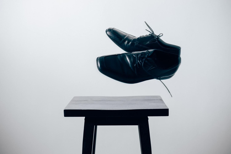 男性公務員の靴事情