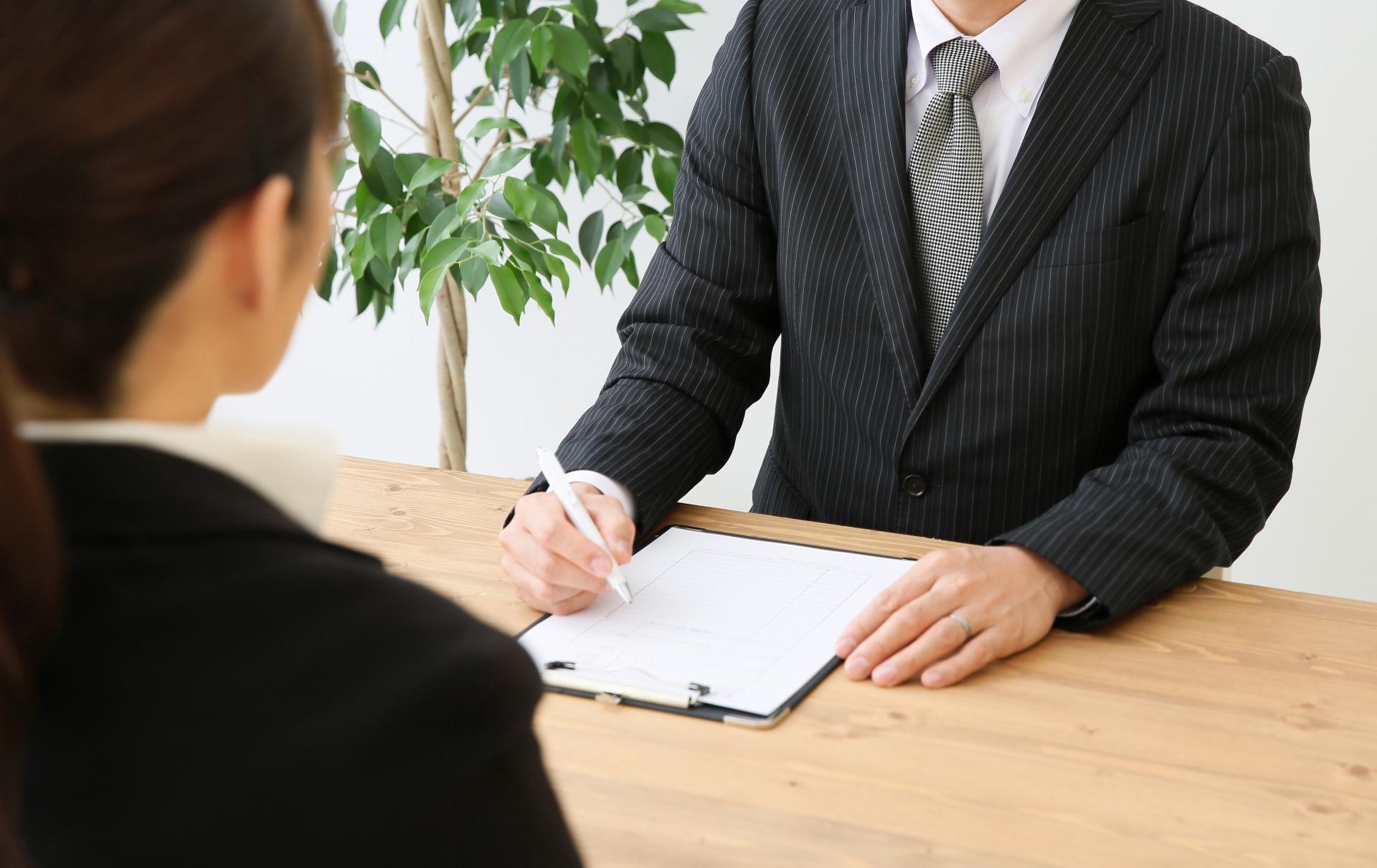 公務員試験の面接当日における基本的なマナーについて